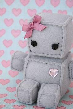 Peluche de fieltro adorable con forma de robot