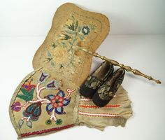 RARE Antique Metis Beadwork Gauntlet, c. 1880's