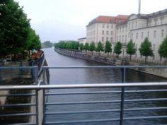 ¿MALETAS? ¿QUE ME LLEVO? - Viajando a Berlin - El diario de dos españoles en Berlin - Trabajar en Berlin