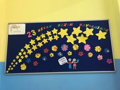 Kids And Parenting, Bulletin Boards, Origami, Diy And Crafts, Teacher, School, Preschool Graduation, Murals, Professor