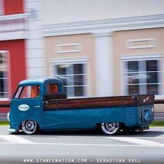 (0\_!_/0) #Volkswagen #VW Cool Pickup Vw splitscreen camper