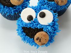 Ms. Fox's Sweets: Cookie Monster Cupcakes...made these but didn't use the grass tip...used a lg star tip and made it look fluffier, turned out just as cute