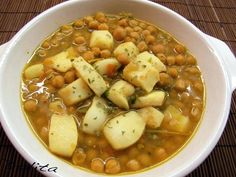 LAS RECETAS DE MIS AMIGAS: GARBANZOS CON SEPIA Spanish Kitchen, Spanish Food, Spanish Recipes, Food From Different Countries, New Recipes, Favorite Recipes, Small Meals, Tasty Dishes, Cheeseburger Chowder