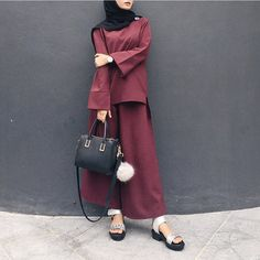 """2,072 Likes, 22 Comments - Minimal Is Chic (@lilfaraaaah) on Instagram: """"I'm wearing the Warda casual from @janes.my & Zeusleather sandal from @yokeandtheam. Thank you! x…"""""""