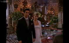 Friends Serie TV Ross & Emily Eglise Church Bougie Love the lights!