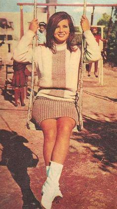 Mirvat Amin Egyptian Beauty, Egyptian Women, 1960s Fashion, Vintage Fashion, Grey Wallpaper Iphone, Egyptian Movies, Arab Celebrities, Egyptian Actress, Arabian Beauty