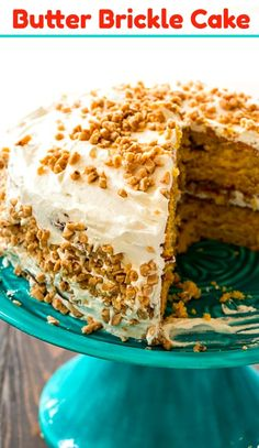 Butter Brickle Cake has all the flavor of the much missed Betty Crocker Butter Brickle Cake. It is loaded with butterscotch and toffee flavors! Betty Crocker, Easy Cake Recipes, Dessert Recipes, Dessert Ideas, Cake Ideas, Drink Recipes, Sweet Recipes, Delicious Desserts, Yummy Food