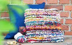 Neulo tyynynpäällinen silkkiräsystä - Kotiliesi.fi Fiber Art, Throw Pillows, Blanket, Helsinki, Knitting, Crochet, Diy, Toss Pillows, Cushions