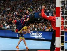 Handball Velux EHF Champions League 2015 May Cologne/Germany Semi-Final FC Barcelona vs. Fc Barcelona, Champions League, Handball Players, Sports Graphic Design, Cologne Germany, Figure Poses, Just A Game, Coaching, Basketball Court
