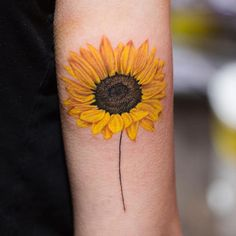 Search inspiration for a Realistic tattoo. Sunflower Tattoo Shoulder, Sunflower Tattoo Small, Sunflower Tattoos, Sunflower Tattoo Design, Sunflower Flower, Dainty Tattoos, Pretty Tattoos, Cute Tattoos, Black Tattoos
