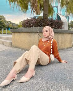 Hijab Casual, Hijab Outfit, Casual Outfits, Korean Girl Fashion, Beautiful Asian Girls, Hijab Fashion, Bodycon Dress, Poses, Instagram