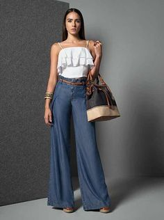 Palazzo Pants Outfit For Work. 14 Budget Palazzo Pant Outfits for Work You Should Try. Palazzo pants for fall casual and boho print. Mode Chic, Mode Style, Denim Outfit, Pants Outfit, Casual Chic, Casual Wear, Chic Outfits, Summer Outfits, Mode Hijab