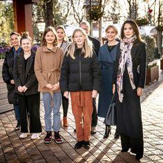 Crown Princess Mary, Princesa Mary, Danish Royal Family, Danish Royals, Child Day, Amusement Park, Conversation, Winter Jackets, Portraits