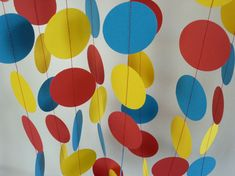 This red, yellow and blue childrens birthday party decoration is a colorful paper garland which is made from 2 cardstock circles and has been Diy Carnival, Circus Carnival Party, Circus Theme Party, Carnival Birthday Parties, Carnival Themes, Circus Birthday, Party Themes, Party Ideas, Vintage Circus Party