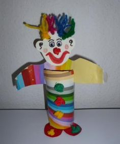 bunter Clown aus Toilettenpapierrolle old favourite Toilet Roll Ok if it is your own I'm sure Clown Crafts, Carnival Crafts, Cute Crafts, Crafts To Make, Diy Crafts, Paper Cup Crafts, Paper Plate Crafts For Kids, Toilet Paper Roll Crafts, Ecole Art