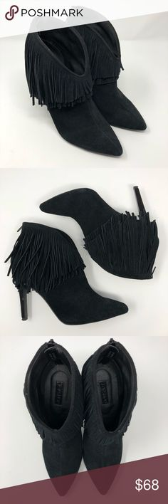 "NWT Topshop Huskie Black Suede Fringe Bootie 7.5 NWT Topshop Huskie Black Suede Fringe Bootie 7.5. New though looks to have minimal wear from store try-on. Black suede with double layer fringe. Back zipper closure. Pointy toe. 4"" heel. Topshop Shoes Ankle Boots & Booties"