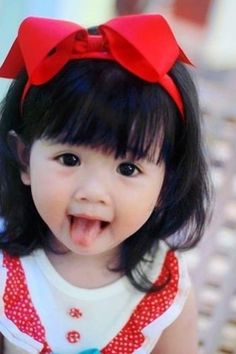 ooooooo c petite fille est trop mignonne kid girl boy Baby kid Cute Asian Babies, Asian Kids, Cute Babies, Asian Child, Half Asian Babies, Precious Children, Beautiful Children, Beautiful Babies, Beautiful People
