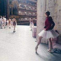 Vaganova Ballet Academy students at the Mariinsky Theatre before The Nutcracker Photo by ? Dance Photos, Dance Pictures, Ballet Photography, Love Photography, Ballerinas, Ballet Dancers, Princesa Tutu, Charles Trenet, Vaganova Ballet Academy