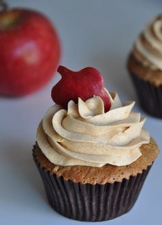 apple cupcake with apple butter buttercream