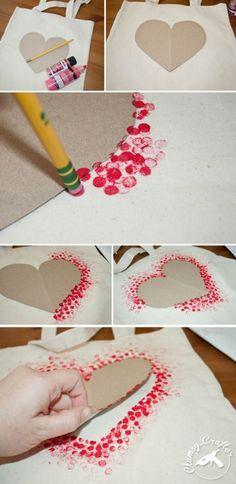 Schöne Idee auch für eine Valentinskarte mit dem Radiergummi eines Bleistiftes in Rote Farbe tunken und dann um eine Herzform stempeln