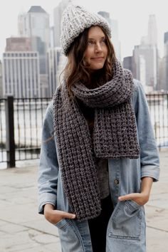 Expedition Rib Scarf Pattern — Two of Wands Girly Outfits, Fashion Outfits, Fashion Clothes, Casual Outfits, City Fashion, Lion Brand Wool Ease, Chunky Scarves, Chunky Yarn, Dress Gloves