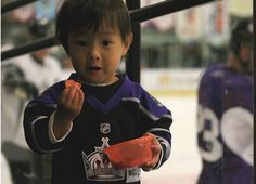 Fans of all sizes at the Kings games. #CuteHockeyFans #LosAngelesKings
