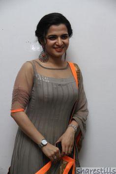 VJ Divya Dharshini