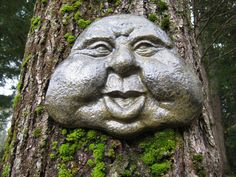 Garden Art, Friendly Face, Concrete Garden Face
