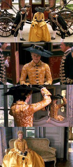 Les Dangerous Liaisons - la Marquise Isabelle de Merteuil Yellow Traveling Gown - http://costumedramasheaven.blogspot.co.nz/2008/05/dangerous-liaisons-costumes-merteuils_8463.html