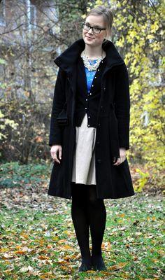 Kultur und Stil: Some color under a black winter coat