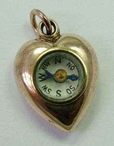 c8471d39e6b Sandys Vintage Charms - compass heart. Marcos Aurelio