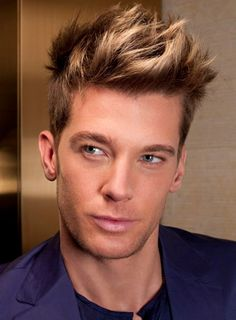 Men's hair with highlights.