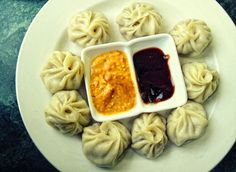 Momo maker is one of the best cooking appliances you can have in your kitchen. Its versatility makes it a beloved food that can be enjoyed as a starter or a meal in itself. Here are some awesome tips to make some delicious momos at home with a momo maker. Raw Food Recipes, Indian Food Recipes, Indian Fast Food, Momo Food, Veg Momos, Momos Recipe, Fast Food Items, Think Food, Raw Food Diet