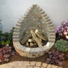 Backyard Fire Pit Ideas On A Budget Stones creative stone fire pit designs backyard diy Source: website landscaping simple landscaping i. Cool Fire Pits, Diy Fire Pit, Fire Pit Backyard, Backyard Pavers, Deck Pergola, Pergola Kits, Diy Outdoor Fireplace, Fire Pit Materials, Fire Pit Designs