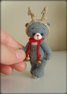 Etsy の Miniature Crochet THREAD ARTist Christmas by thetinytoybox