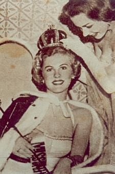 Miss Universe 1952 Hilario, Long Beach, Crowns, Finland, Universe, In This Moment, Historia, Cosmos, Crown