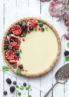 ... no bake vegan white chocolate ganache tart ...