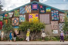 Sisters Outdoor Quilt Show - July 11, 2015 - Sisters Oregon © 2015 Gary N. Miller, Sisters Country Photography