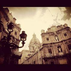 Palermo, Piazza Vigliena - 4 Canti