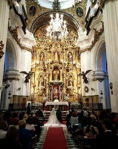Prometo amarte y respetarte todos los días de mi vida...  Ya hace una semana de la #bodaLOVE de M+J, que no pudo ser más especial. 😍😍😍  LOVE #love #amor #selfie #bodasbonitas #bodasunicas #boda #Peru #Lima #iglesia #Cádiz #Spain #destinationwedding #destinationweddingplanner #design #diseño #happy #handmade #feliz #wine #wedding #weddingplanner #deco #decor #inlove #inspiration #fashion #fashionblogger #candybar