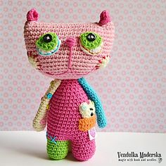 Crochet cat - Meow ..:-) Her name is Lisa - a little cat. She like frolicking with her best friend little mouse Dottie, who is living in her pocket actually :-)