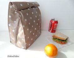 Lunch bag / lunch box isotherme en toile cirée taupe et étoiles blanches