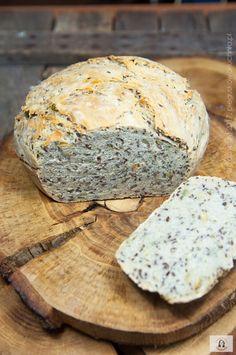 Do upieczenia tego prostego chleba z garnka skusiła mnie na swoim blogu Ewa. Żałuję, że tak długo zwlekałam z jego upieczeniem gdyż bardzo nam smakuje. Chleb jest bardzo prosty w…