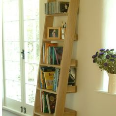 With no assembly required and no need for screws or fixtures, this oak ladder shelf is ideal for rental properties as it won't damage walls and will slot easily into any room.