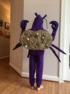 Moana Tamatoa/Tomatoa Crab Halloween Costume for Infants, Toddlers, Kids, Girls, Boys, Adult, Women's, Men's - #halloweencostumesforinfants - For this costume, please reference the sizing chart to order the proper size. We make custom dresses and costumes for any occasion. We can model the costume after any character, but are making this costume after the Tamatoa Crab character in Moana. We will post pictures when our costume is complete, but will be using the materials seen in the pictures… Twin Halloween, Pig Costumes, Pumpkin Halloween Costume, Baby Girl Halloween Costumes, Disney Halloween Costumes, Toddler Costumes, Costume Ideas, Halloween 2020, Crab Costume