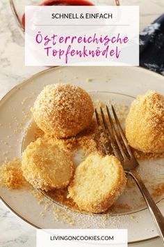 Quick and easy to prepare, these curd cheese dumplings are so good! Whether with strawberry sauce or with plum roaster, they are a wonderful and filling vegetarian dish. # dumplings potato al horno asadas fritas recetas diet diet plan diet recipes recipes Dumplings, Dessert Oreo, Plats Healthy, Cookie Recipes, Dessert Recipes, Low Sugar Desserts, Quick Cookies, Easy Chinese Recipes, Easy Recipes
