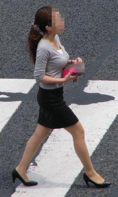 Sexy Hips, Beautiful Legs, Mini Skirts, Beauty, Women, Fashion, Moda, Mini Skirt, Cosmetology