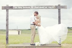Gorgeous! Photo by Stephanie Lindsay Photography. More here: http://snapknot.com/wedding-photographer/2520-Stephanie-Lindsay-Photography