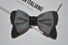 di PapillonItaliano su Etsy  #papillonitaliano #papillon #seta #silk #bowtie #handmade #madeinitaly #love #artigianale #accessory #uomo #donna #style #outfit #fashionblogger #man #men #woman #moda #fashion #style #shopping #shoponline #italianstyle #plexiglass #etsy