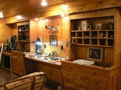 Look at the rest of the photos -some very nice detail work in this handcrafted set up Fly Tying Vises, Fly Tying Desk, Fly Tying Tools, Reloading Room, Fishing Rod Storage, Desk Cabinet, Gun Rooms, Desk Layout, Fly Shop